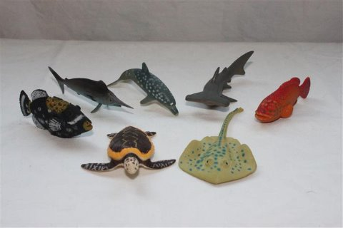 meriaiheisia pikku leluja kaverilahjoiksi