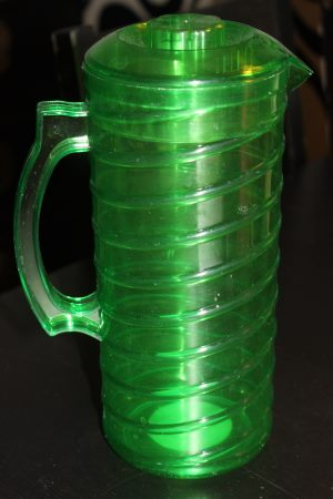 vihreä kannu