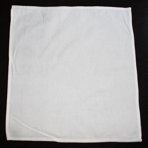 valkoinen lautasliina vuokrataan