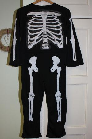 luurankopuku halloween