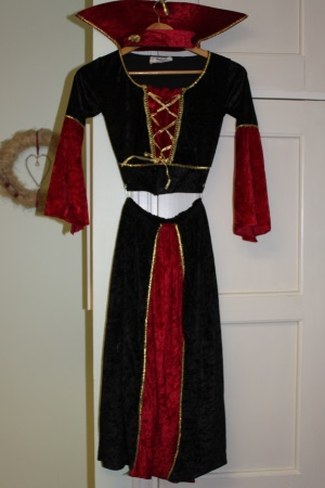samettinen mekko