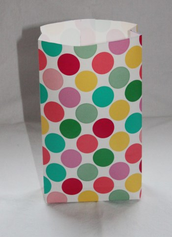 paperipussi värikkäät pallot