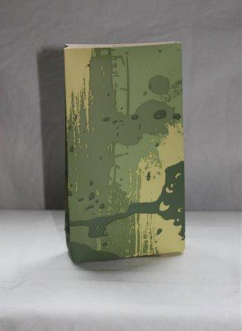 ekologinen käsintehty vihreäsävyinen paperipussi
