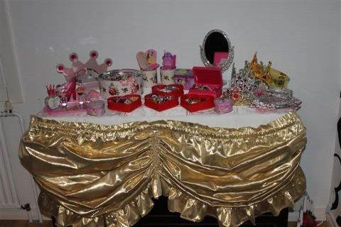 prinsessa juhliin tarvikkeita laittautumiseen ohjelmaksi