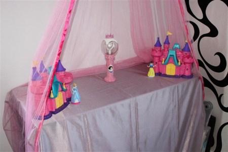 prinsessa teemajuhliin koristeita