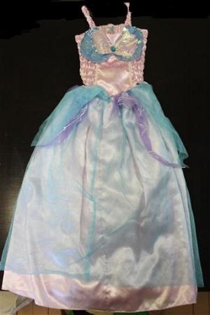 Valkoinen mekko 110cm - Juhlalaatikko bd126d6544