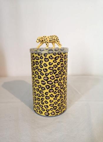 leopardikuosinen purkki