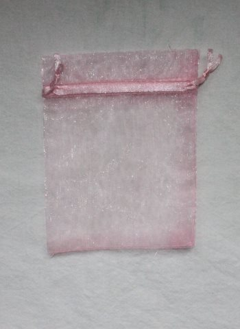 vaaleanpunainen organza pussi