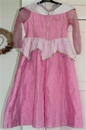 Vaaleanpunainen mekko 130-140cm - Juhlalaatikko 5c144a9f9e