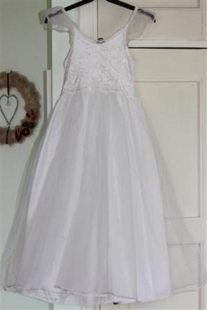 pukuvuokraus valkoinen prinsessamekko 128-134cm