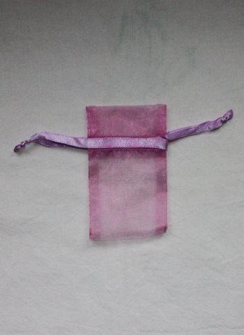 violetti organza pussi